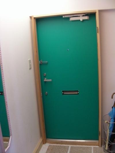 玄関ドアのダイノックシートで廊下を明るく 髙岡恭平 マイベスト