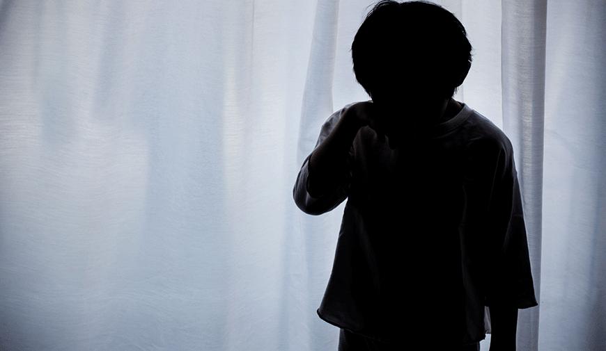 """「代理ミュンヒハウゼン症候群」で生後2カ月の長男に血液を含ませた母。減らない虐待の陰に潜む""""インナーチャイルド""""とは?"""
